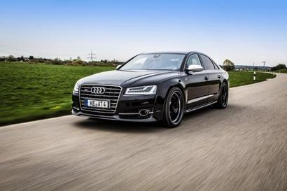 Une limousine version Racing – L'Audi S8 peut effectuer le 0 à 100 km/h en 3,6 sec